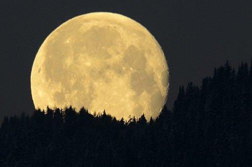 hipertenzija ir mėnulio pilnatis)