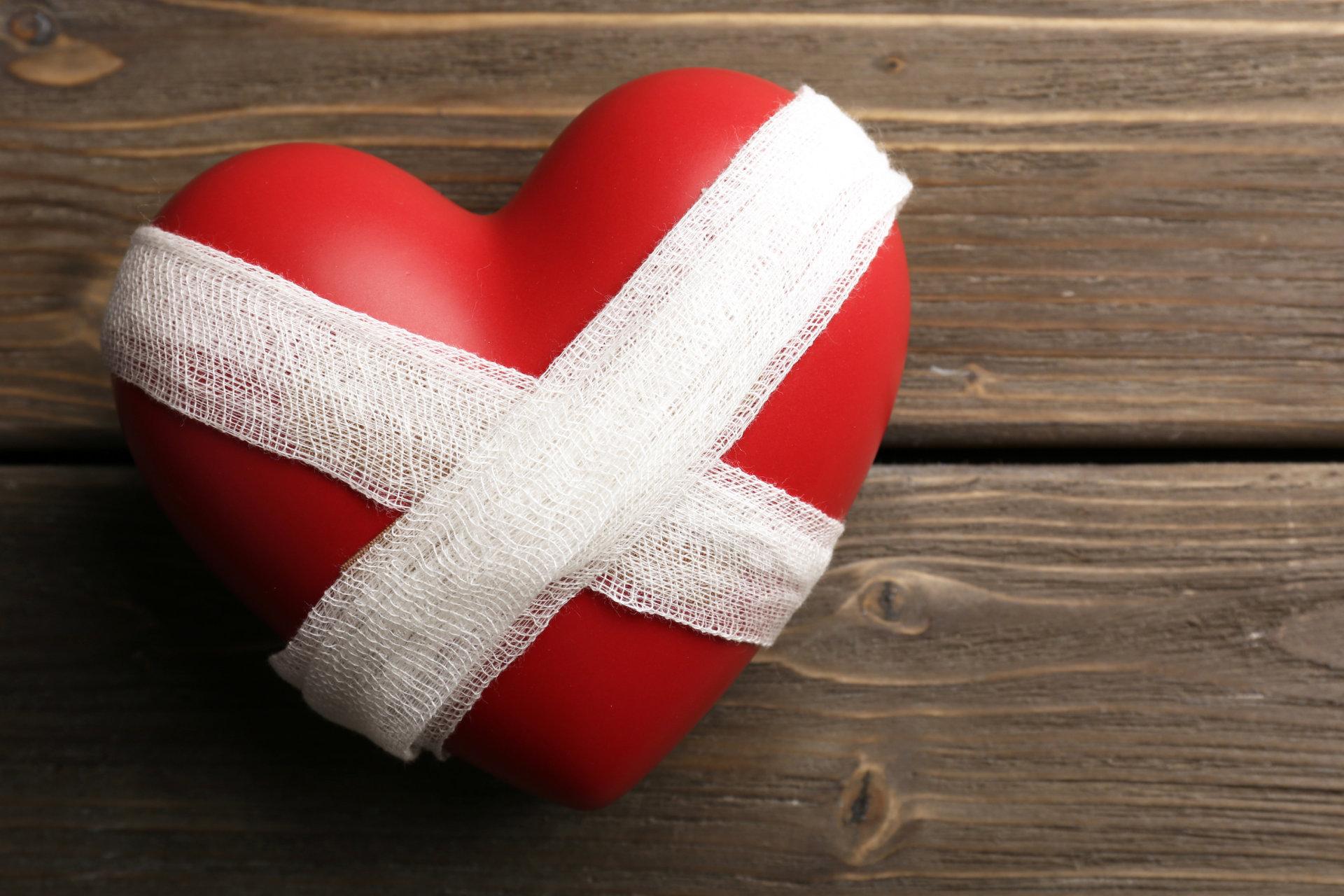 raudonas teptukas nuo hipertenzijos