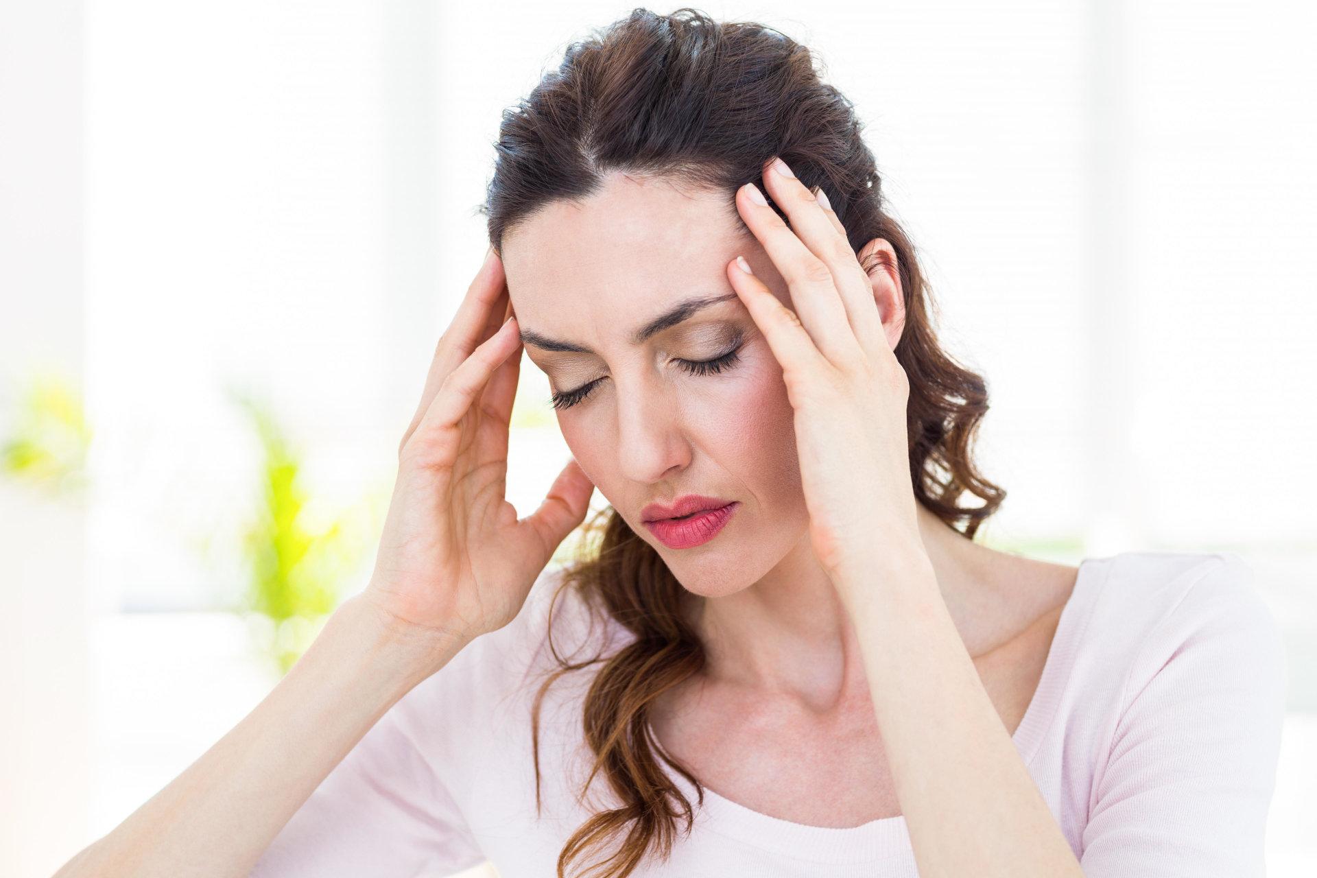Keletas paprastų būdų, kaip nustatyti galvos skausmo priežastį - DELFI Sveikata