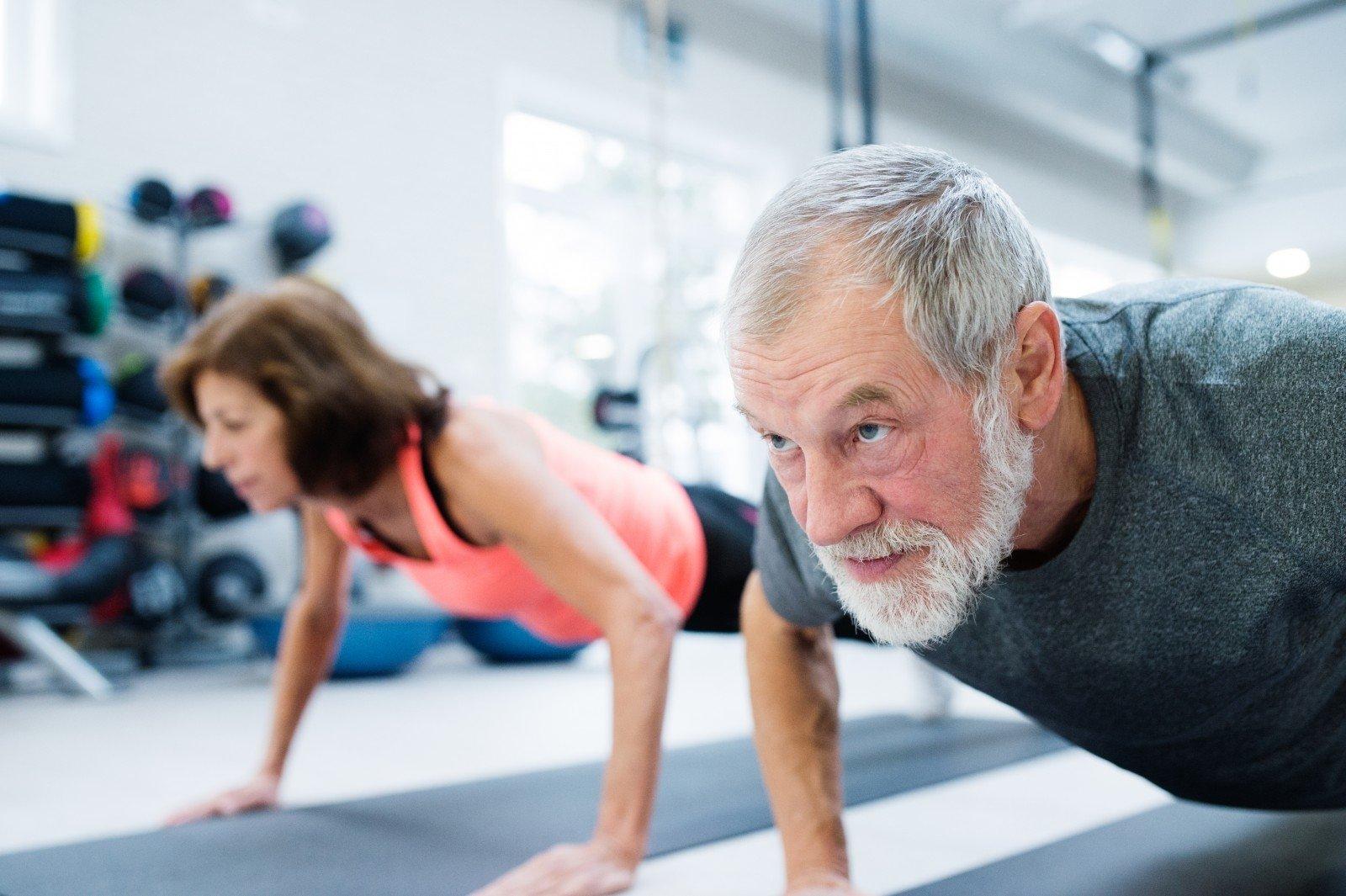 užsiėmimai elipsės formos treniruokliu nuo hipertenzijos
