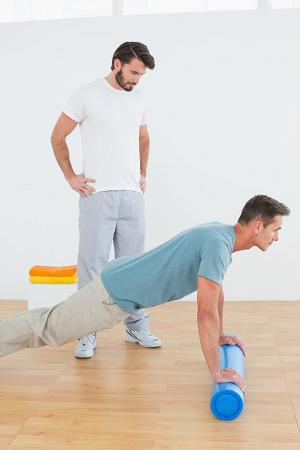 atsispaudimai nuo grindų su hipertenzija)