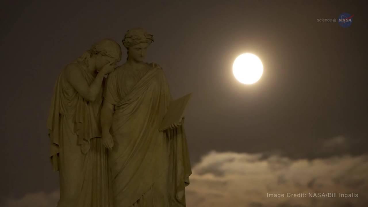 Pilnaties mitai ir faktai: ar tikrai šviečiant mėnuliui padaugėja avarijų ir paūmėja ligos?