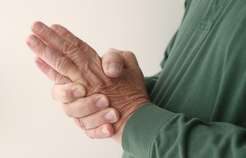 rankų nutirpimas su hipertenzija