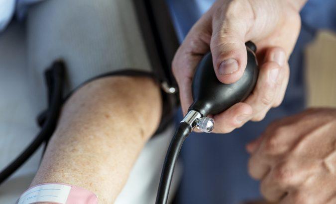 kaip gydyti hipertenziją namuose