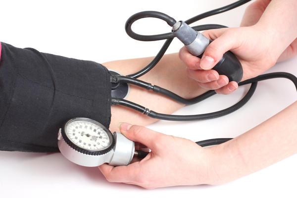 hipertenziją sukeliančios ligos)