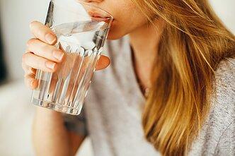 sergant hipertenzija - stiklinė vandens kraujagyslių gydymas hipertenzijai gydyti