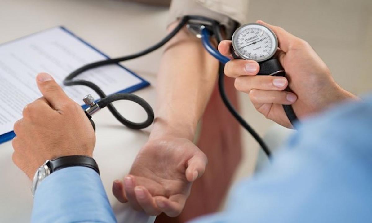 hipertenzijos magnetinė apyrankė)