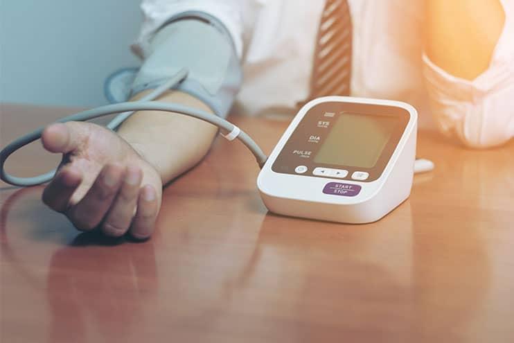 hipertenzijos gydymas aparatu hipertenzijos gydymas akupunktūra