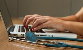 Akių skausmas: 7 pagrindinės priežastys - Astigmatizmas - November