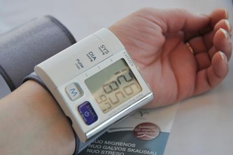 žemas apatinis kraujo spaudimas kas yra teisinga prieširdžių hipertenzija