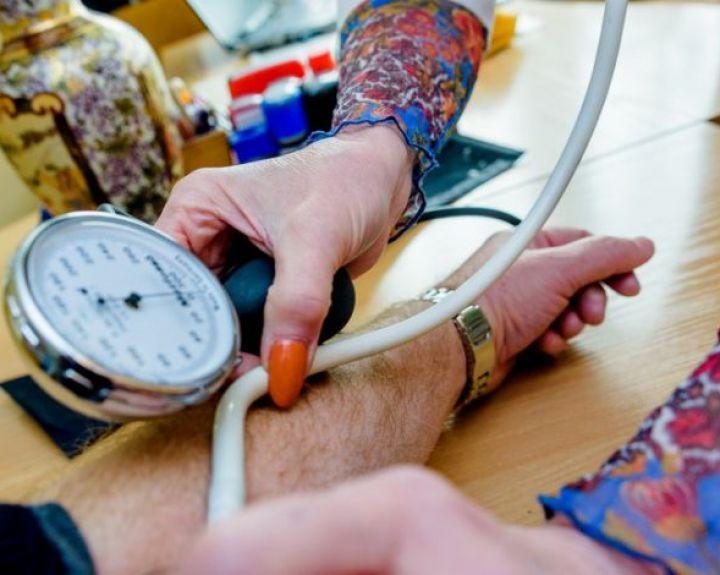 miomos ir hipertenzija hipertenzija jaunų priežasčių