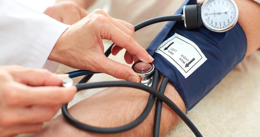 hipertenzijos priežastis yra tirštas kraujas)