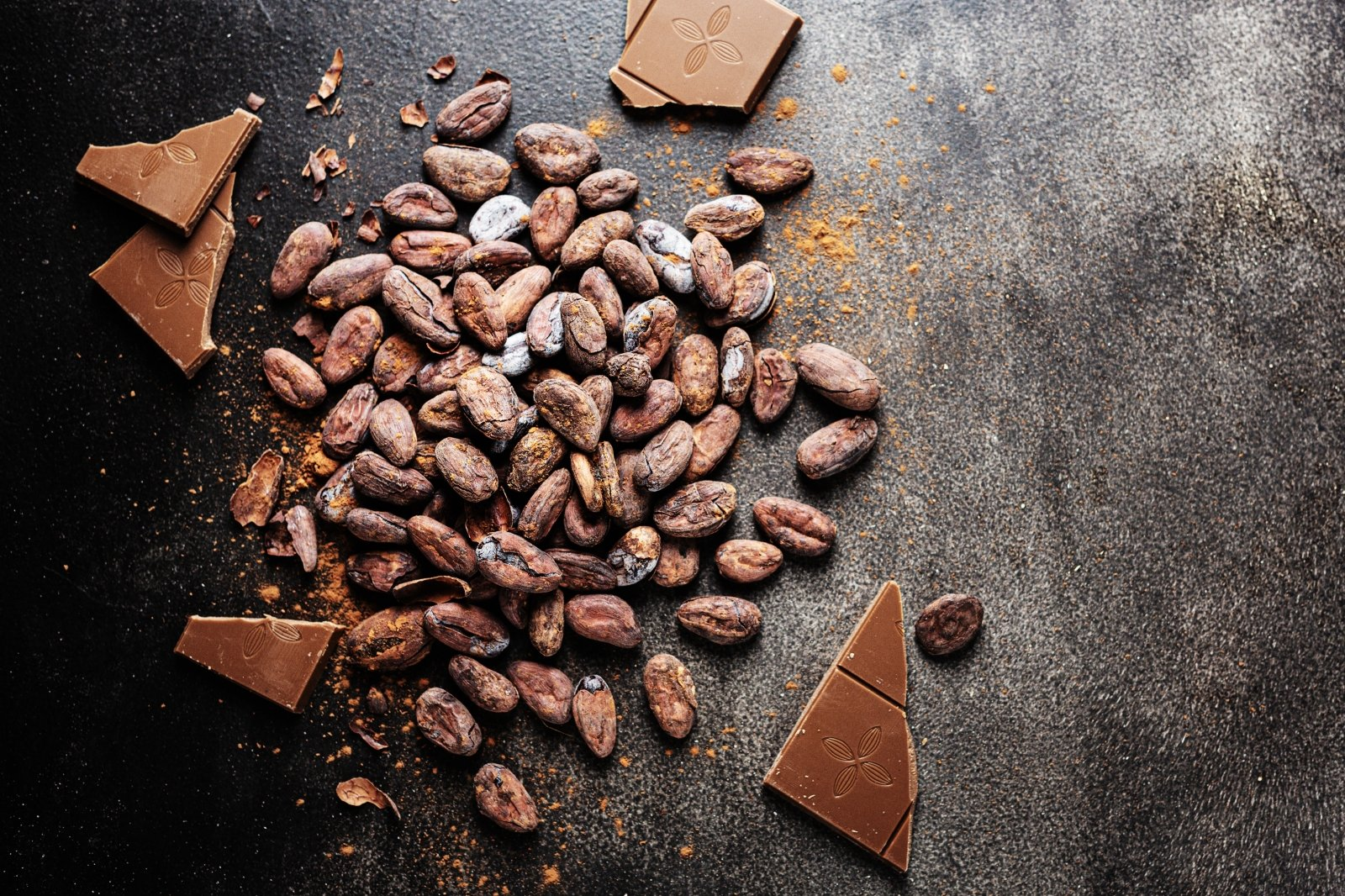 Juodasis šokoladas gali sumažinti aritmijos riziką | jusukalve.lt
