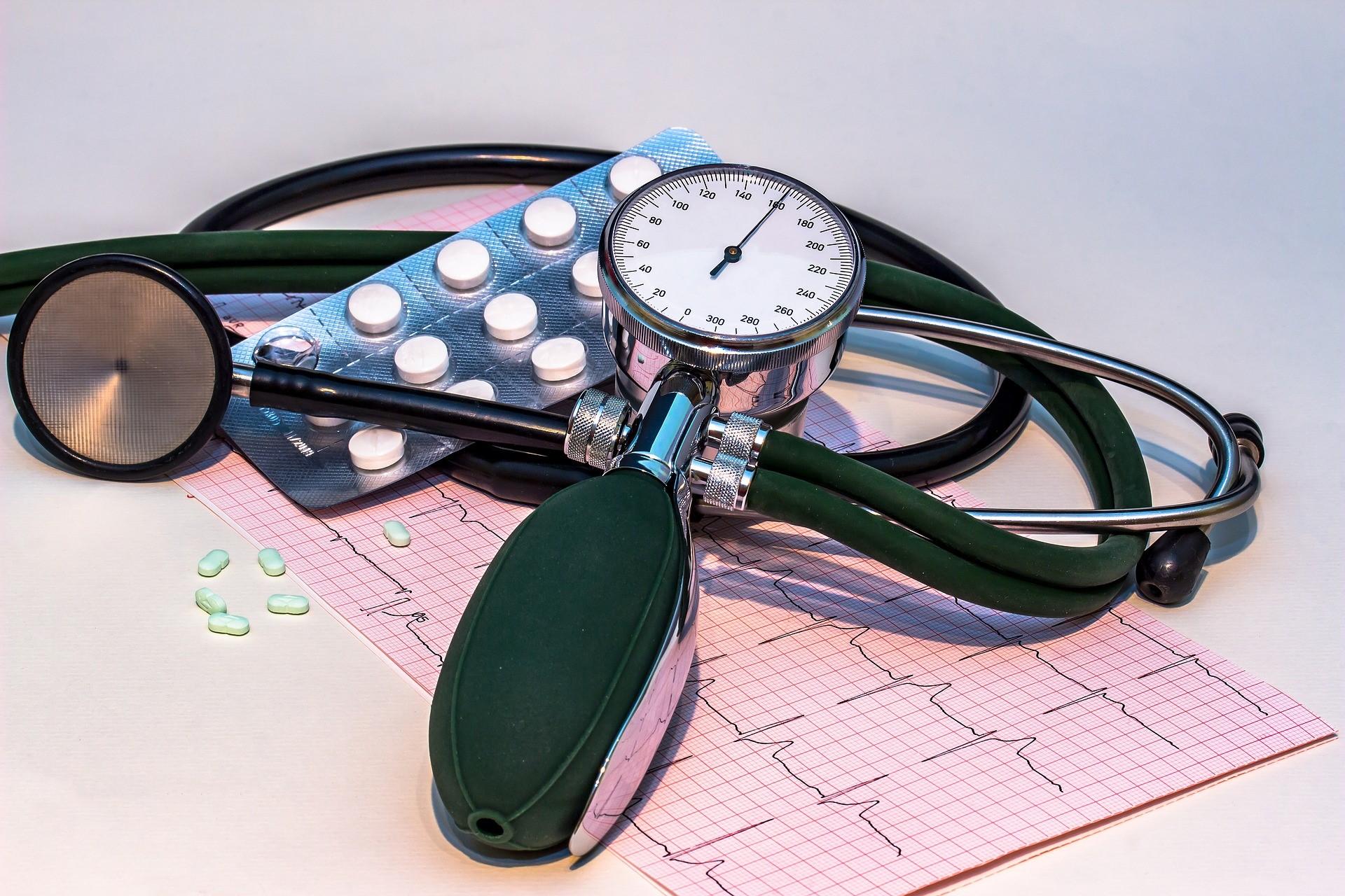 hipertenzija sukelia vyrus