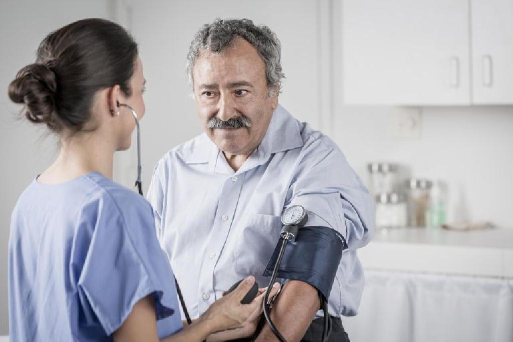 hipertenzijos gydymo laikotarpis spengimas ausyse gydant hipertenzija