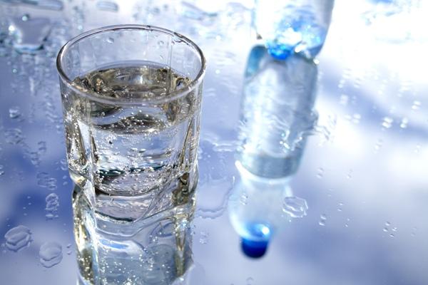 negyvas vanduo sergant hipertenzija