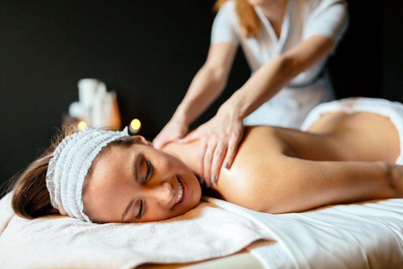 Kaklo masažas - Myositis -