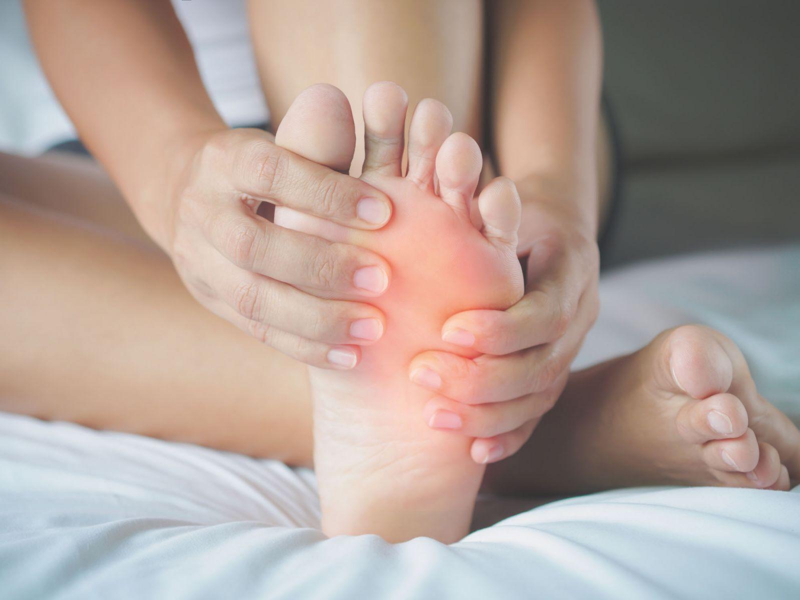 kojų patinimas hipertenzija)