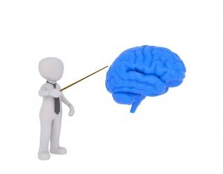 smegenų hipertenzija)